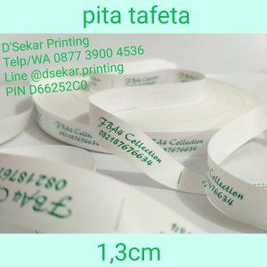 cetak-label-baju-merk-satin-tafeta-woven-damask-dsekar-printing-081904271640-sablon-pita-cetak-label-pakaian-seragam-kaos-kemeja-jogja-jakarta-bogor-surabaya (14)
