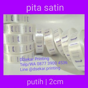 cetak-label-baju-merk-satin-tafeta-woven-damask-dsekar-printing-081904271640-sablon-pita-cetak-label-pakaian-seragam-kaos-kemeja-jogja-jakarta-bogor-surabaya (20)