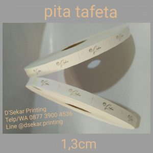 cetak-label-baju-merk-satin-tafeta-woven-damask-dsekar-printing-081904271640-sablon-pita-cetak-label-pakaian-seragam-kaos-kemeja-jogja-jakarta-bogor-surabaya (21)