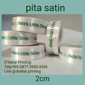 cetak-label-baju-merk-satin-tafeta-woven-damask-dsekar-printing-081904271640-sablon-pita-cetak-label-pakaian-seragam-kaos-kemeja-jogja-jakarta-bogor-surabaya (29)
