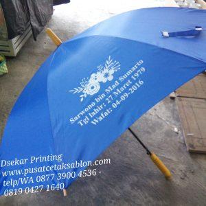 payung-promosi-souvenir-payung-payung-lipat-payung-golf-cetak-payung-dsekar-printing-sablon-payung-081904271640-payung-perusahaan-payung-terbalik-payung-kazbrella (53)