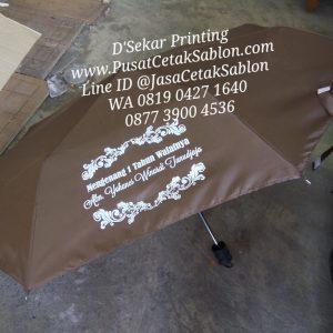 payung-promosi-souvenir-payung-payung-lipat-payung-golf-cetak-payung-dsekar-printing-sablon-payung-081904271640-payung-perusahaan-payung-terbalik-payung-kazbrella (55)