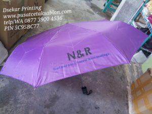 payung-promosi-souvenir-payung-payung-lipat-payung-golf-cetak-payung-dsekar-printing-sablon-payung-081904271640-payung-perusahaan-payung-terbalik-payung-kazbrella (60)