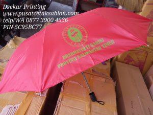 payung-promosi-souvenir-payung-payung-lipat-payung-golf-cetak-payung-dsekar-printing-sablon-payung-081904271640-payung-perusahaan-payung-terbalik-payung-kazbrella (64)
