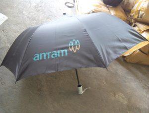 payung-promosi-souvenir-payung-payung-lipat-payung-golf-cetak-payung-dsekar-printing-sablon-payung-081904271640-payung-perusahaan-payung-terbalik-payung-kazbrella (65)