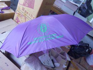 payung-promosi-souvenir-payung-payung-lipat-payung-golf-cetak-payung-dsekar-printing-sablon-payung-081904271640-payung-perusahaan-payung-terbalik-payung-kazbrella (66)